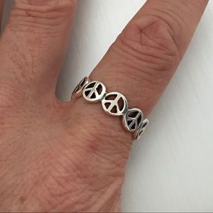 Jewelry - Sterling Silver Seven Peace ☮️ Sign Ring